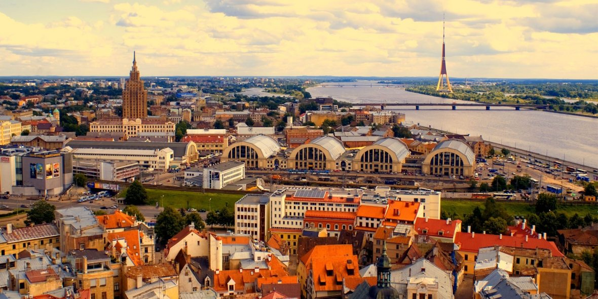 Prime Minister ofLatvia calls tocancel the issuance ofaresidence permit for real estate investing 2021