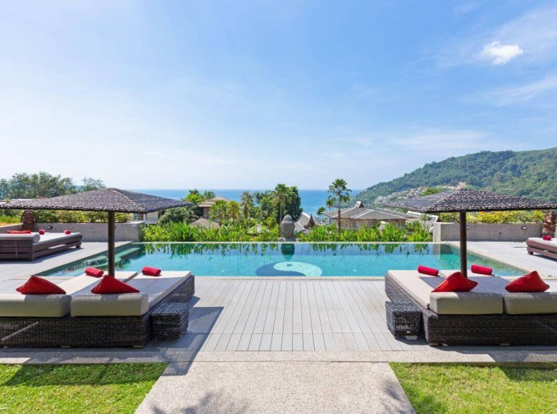 Houses and villas 7 bedrooms 1 050 m² in Phuket Province, Thailand - 41570127