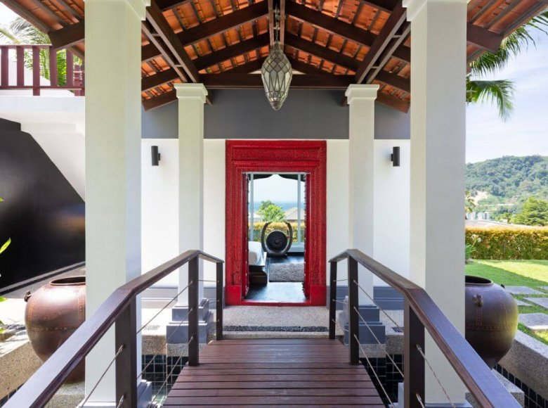 Houses and villas 8 bedrooms 1 050 m² in Phuket Province, Thailand - 41570139