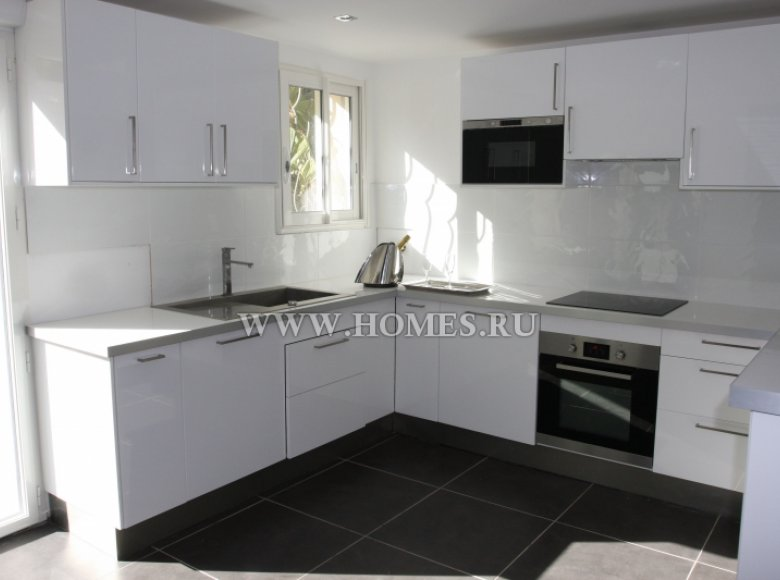 Houses and villas 7 bedrooms 240 m² in France, France - 30525957