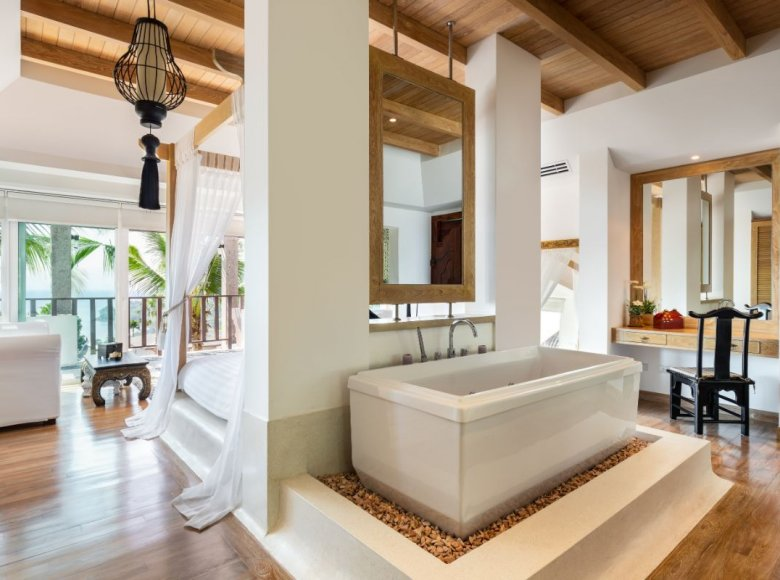 Houses and villas 8 bedrooms 1 050 m² in Phuket Province, Thailand - 41570137