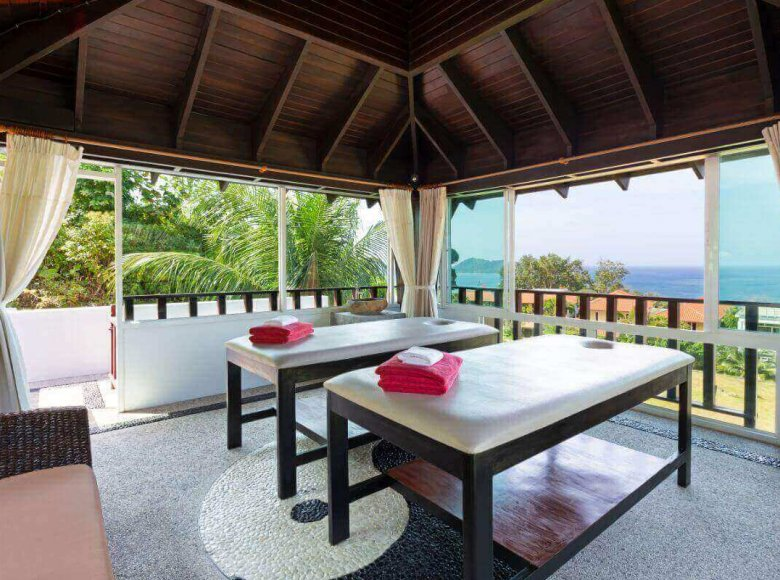 Houses and villas 7 bedrooms 1 050 m² in Phuket Province, Thailand - 41570128