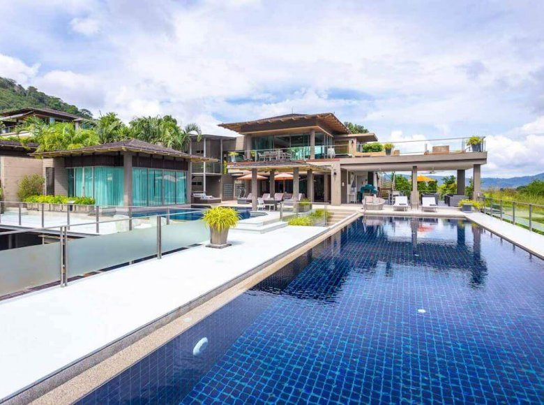 Houses and villas 7 bedrooms 1 220 m² in Phuket Province, Thailand - 32078150