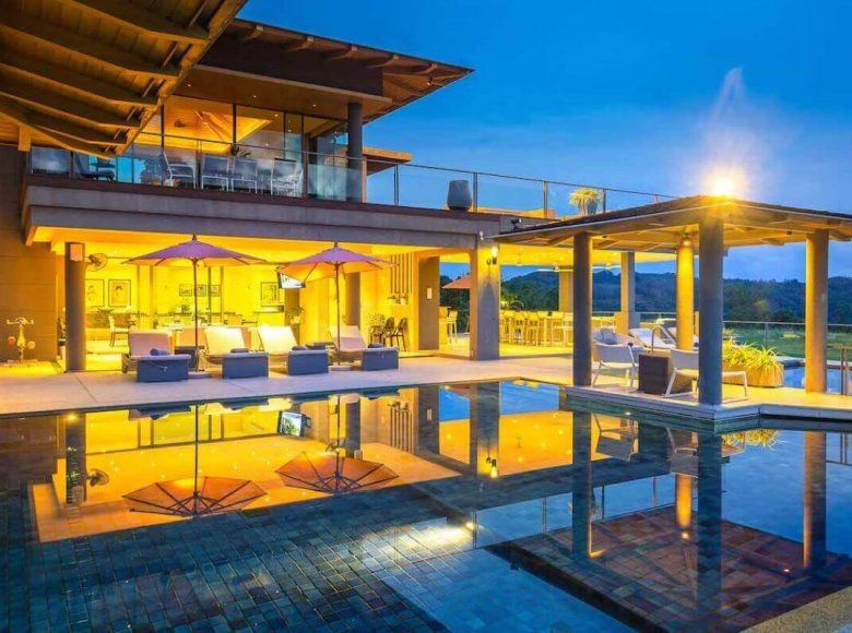 Houses and villas 7 bedrooms 1 220 m² in Phuket Province, Thailand - 32078147