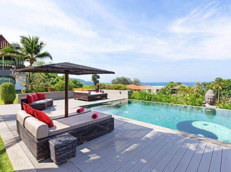 Houses and villas 7 bedrooms 1 050 m² in Phuket Province, Thailand - 41570126