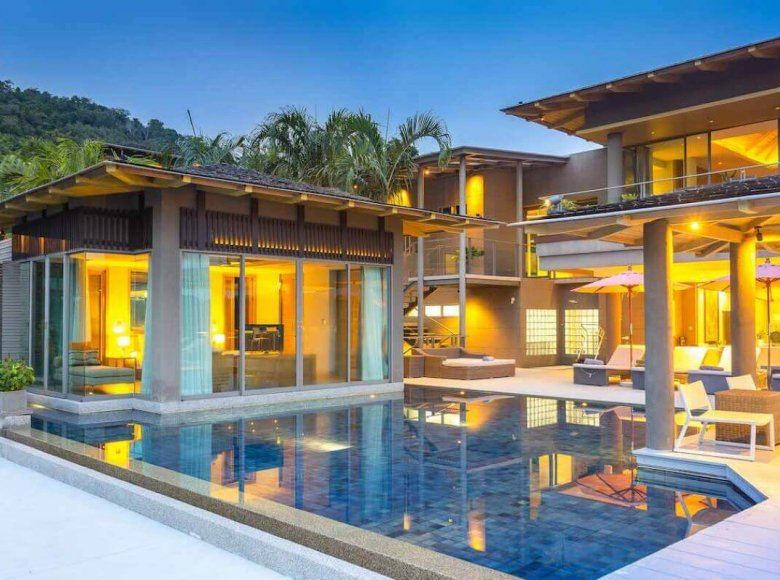 Houses and villas 7 bedrooms 1 220 m² in Phuket Province, Thailand - 32078146