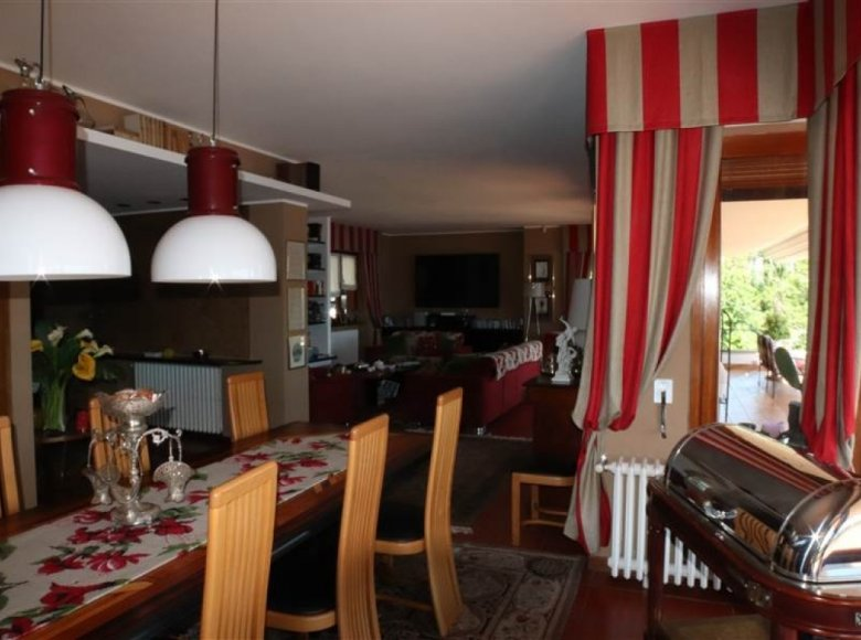 5 room house 380 m² in Italy, Italy - 30521677