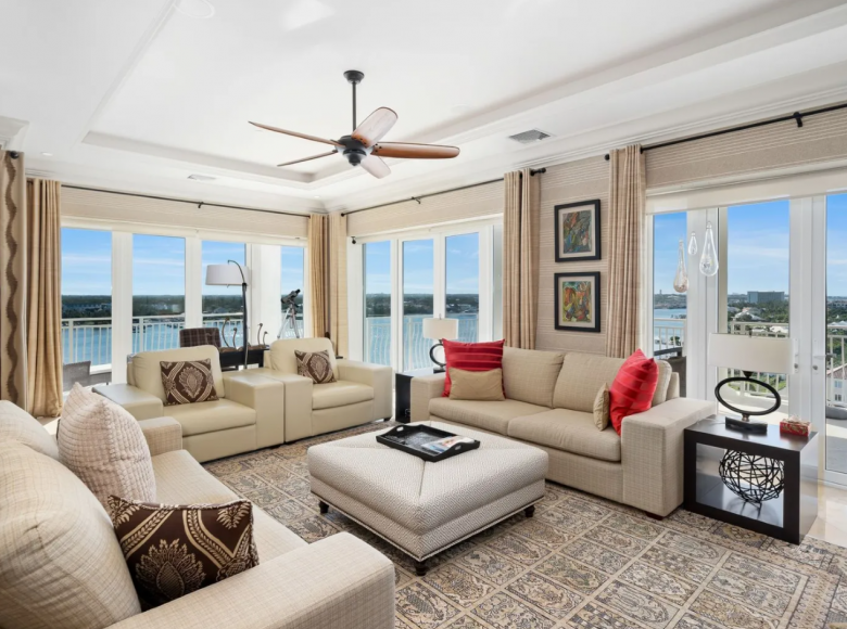 2 room apartment 274 m² in Nassau, Bahamas - 43273095