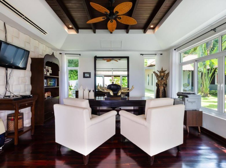 Houses and villas 8 bedrooms 1 050 m² in Phuket Province, Thailand - 41570135