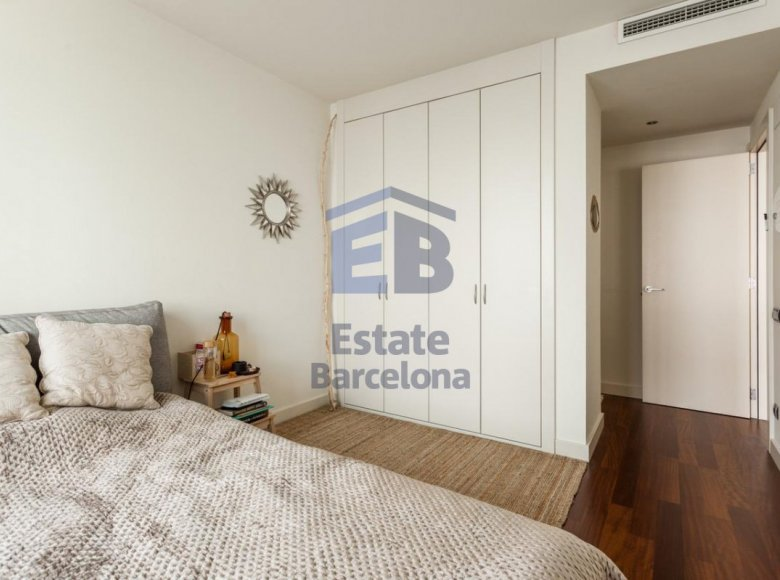 3 room apartment 223 m² in Barcelona, Spain - 28135783