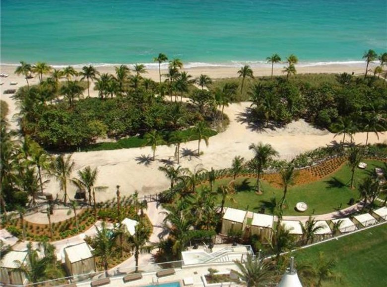 2 room apartment  for sale in Miami, United States for € 4,730,192 - listing #85383