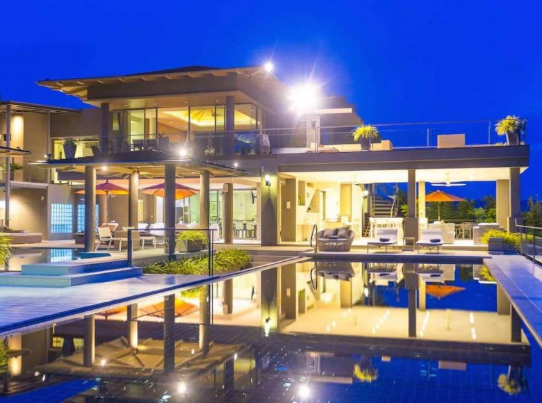 Houses and villas 7 bedrooms 1 220 m² in Phuket Province, Thailand - 32078148