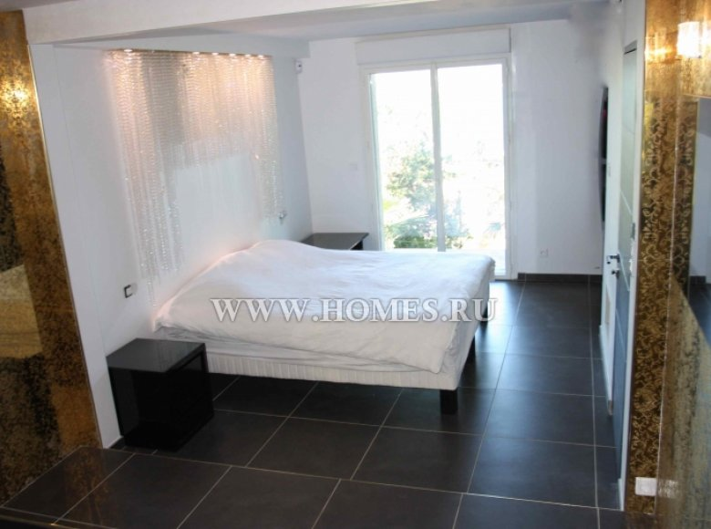 Houses and villas 7 bedrooms 240 m² in France, France - 30525959