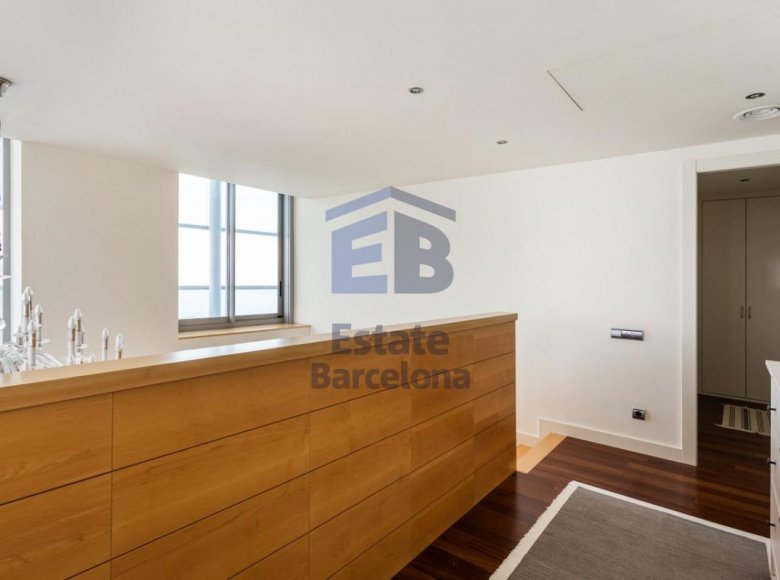 3 room apartment 223 m² in Barcelona, Spain - 28135779