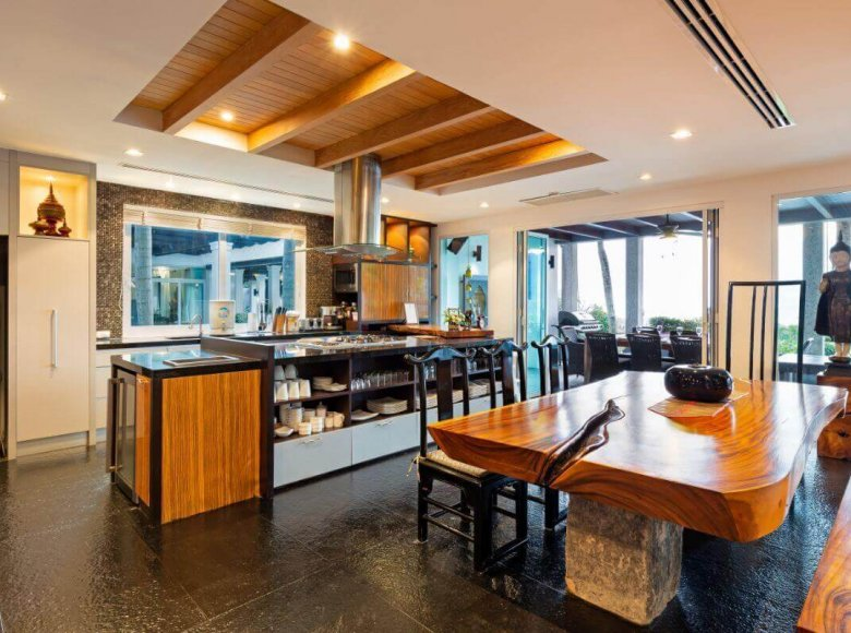 Houses and villas 8 bedrooms 1 050 m² in Phuket Province, Thailand - 41570134