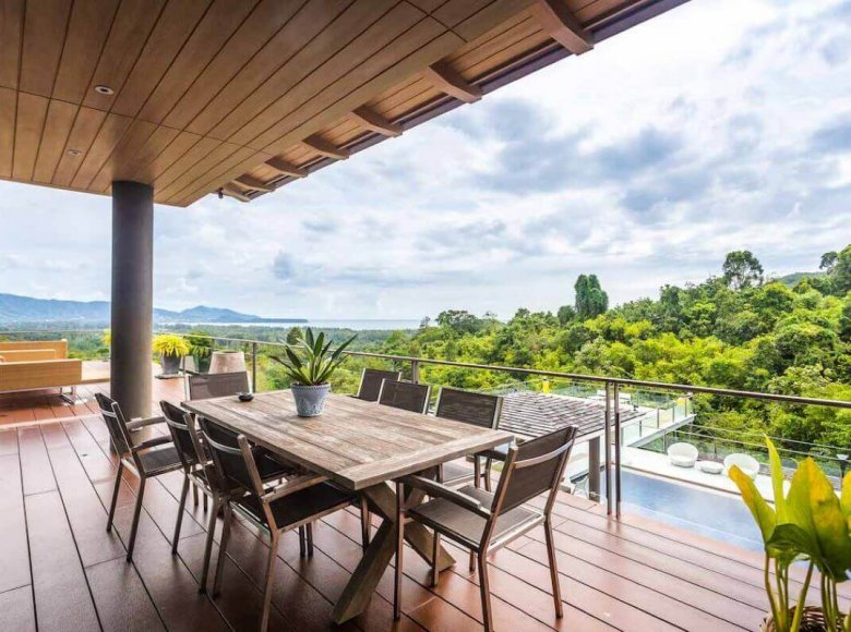 Houses and villas 7 bedrooms 1 220 m² in Phuket Province, Thailand - 32078139