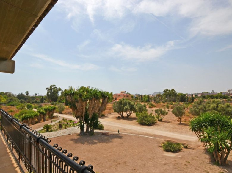 Houses and villas 8 bedrooms  for sale in Alicante, Spain for € 10,000,000 - listing #112294