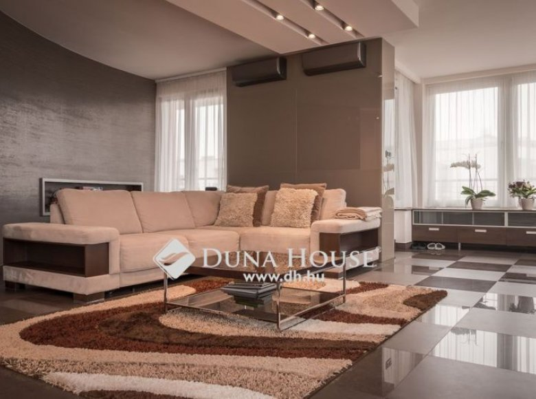 Apartment 110 m² in Central Hungary, All countries