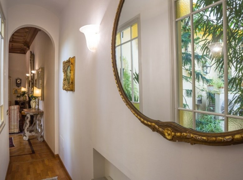 4 room apartment in Florence