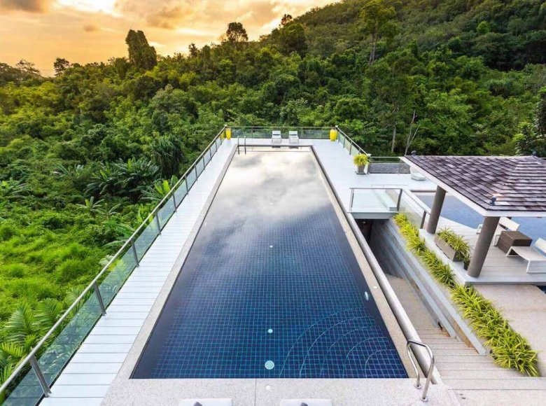 Houses and villas 7 bedrooms 1 220 m² in Phuket Province, Thailand - 32078151