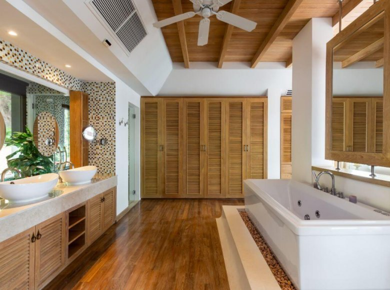 Houses and villas 8 bedrooms 1 050 m² in Phuket Province, Thailand - 41570138