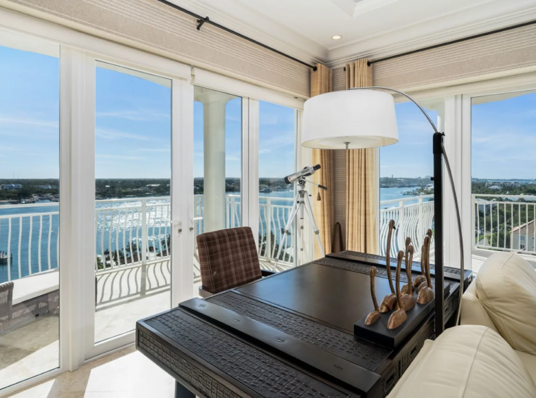2 room apartment 274 m² in Nassau, Bahamas - 43273022