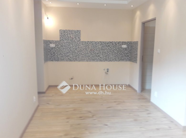 House 84 m² in Budapest, Hungary - 34444466