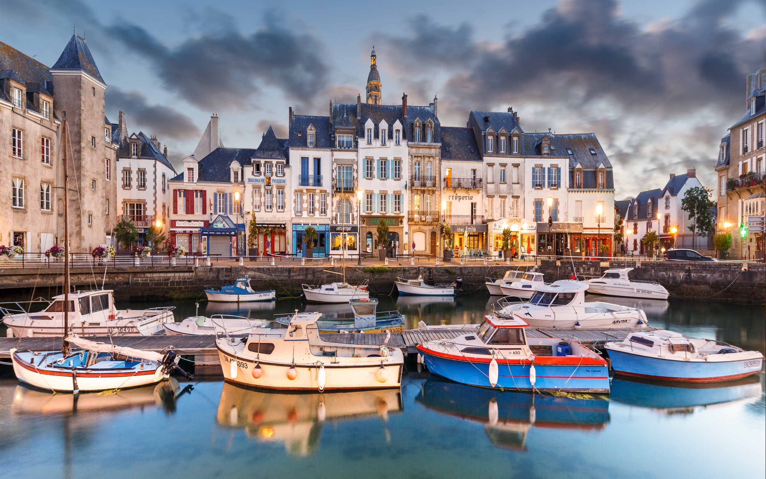Buying real estate in France