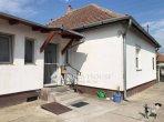 Haus 100 m² in Mittelungarn, Alle Länder