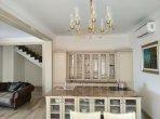Casa 3 habitaciones 235 m² en Budva, Montenegro