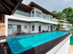 6 room villa 770 m² in , All countries