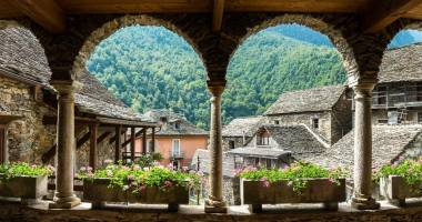 /news/italian-settlement-is-selling-houses-for-just-euro
