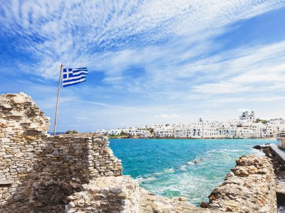 How toobtain aGolden Visa for buying aproperty inGreece