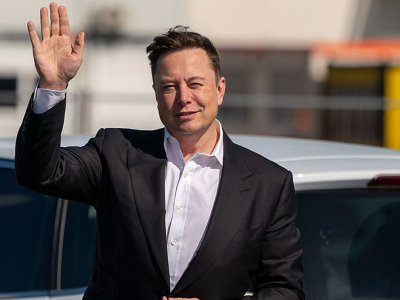 Elon Musk keeps his word and sells his last home