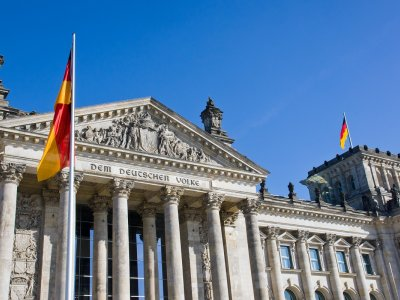 Everything you need toknow about obtaining aresidence permit, apermanent residence and citizenship inGermany